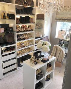 Ideas Glam Closet Decor For 2019 Walk In Closet Small, Walk In Closet Design, Small Closets, Dream Closets, Closet Designs, Small Bedrooms, Glam Closet, Closet Vanity, Luxury Closet