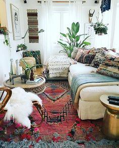 bohemian living room decorating idea 10