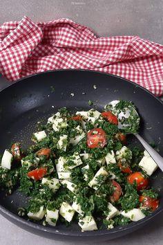 Sophia Thiel leichte Spinat-Feta-Quiche - einfach Schlank & Fit Cobb Salad, Cheese, Cooking, Food, Spinach Feta Quiche, Bircher Muesli, Fresh, Kitchen, Essen