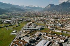 Luftaufnahme Innsbruck, Foto: Stadtplanung Innsbruck, Freigegeben vom BMLV mit GZ S90986/164-Recht/2003 Innsbruck, Soho, Paris Skyline, City Photo, Dolores Park, Trench