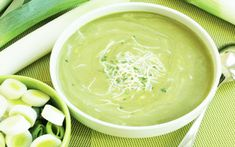 Cream of Watercress Soup Watercress Soup, French Soup, Cooking Cream, Palak Paneer, Entrees, Food And Drink, Nutrition, Stuffed Peppers, Healthy Recipes