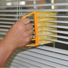 Useful Microfiber Window cleaning brush air Conditioner Duster cleaner with wash. - Useful Microfiber Window cleaning brush air Conditioner Duster cleaner with washable venetian blind - Deep Cleaning Tips, House Cleaning Tips, Cleaning Solutions, Spring Cleaning, Cleaning Hacks, Diy Hacks, Cleaning Blinds, Curtain Cleaning, Cleaning Brushes
