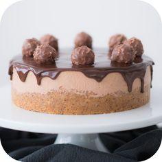 Torta mousse crocante de ferrero rocher | Vídeos e Receitas de Sobremesas.*****