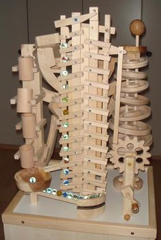 Woodworking Course Seven Amazing Wooden Marble Machines by Paul Grundbacher - Since Paul Grundbacher of Switzerland has spent his winter free time building seven amazing marble machines. Crafted almost entirely from wood, each Woodworking Toys, Learn Woodworking, Woodworking Projects, Marble Machine, Into The Woods, Diy Wood Projects, Wood Crafts, Rolling Ball Sculpture, Marble Toys