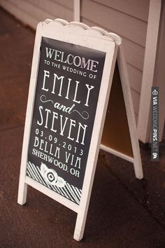 chalkboard wedding sign | VIA #WEDDINGPINS.NET