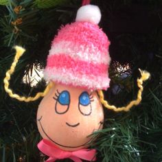 Cindy Lou-Who Ornament made from a lightbulb.