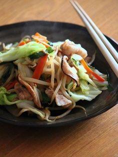 白ごはんが止まらない♡永久保存版の野菜炒めレシピ11選 - LOCARI(ロカリ)