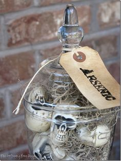 Love using my glass jar collection for every occasion! So this is right up my alley!