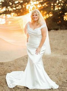 Curvylicious bridal ideas on pinterest curvy bride for Wedding dress boutiques los angeles