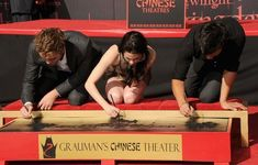 Kristen Stewart Robert Pattinson Photos Photos: Kristen Stewart, Robert Pattinson & Taylor Lautner Hand And Footprint Ceremony Dark Nail Polish, Dark Nails, The Twilight Saga Eclipse, Letters To Juliet, No Strings Attached, The Last Song, Taylor Lautner, Robert Pattinson, Kristen Stewart