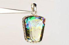 Lovely Genuine Ammolite Flashy Gemstone Pendant For Necklace
