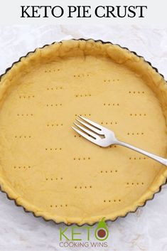 Making your own pie crust for your favorite pies has never been easier! This fail-proof pie dough is easy, tasty, and holds up to all sorts of sweet and savory fillings for all your favorite keto desserts and keto pumpkin pies!