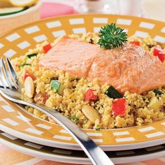 Couscous au saumon Fish Recipes, Fried Rice, Sushi, Fries, Ethnic Recipes, Grands Restaurants, Discovery, Magazines, Apps