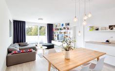 Škandinávsky dizajn v dvojizbovom byte One Bedroom Apartment, Make It Simple, Conference Room, Dining Table, Interior Design, Bratislava, Furniture, Architects, Home Decor