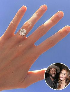 Model Nicole Trunfio's gorgeous engagement ring and wedding band