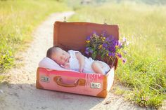 Hanna- outdoor newborn photography by Olga Vuscan. Use brown suitcase instead of… Hanna- outdoor newborn photography by Olga Vuscan. Use brown suitcase instead of pink. Possibly stack 2 suitcases. Outdoor Newborn Photos, Outdoor Newborn Photography, Photography Pics, Toddler Photography, Newborn Pictures, Baby Pictures, Baby Photos, Newborn Pics, Newborn Posing