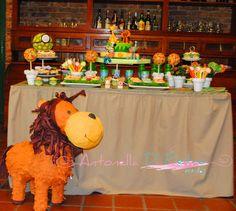 Cumpleaños de la selva, Jungle party, lion pinata piñata de león http://antonelladipietro.com.ar/blog/2013/01/fiesta-con-animales-de-la-selva/