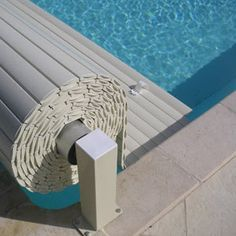 pool VOLEO manual shutter Buying Petite Clothing Made Easy All you girls and under, fight for Swiming Pool, Swimming Pools Backyard, Swimming Pool Designs, Pool Landscaping, Small Backyard Pools, Backyard Pool Designs, Small Pools, Patio Chico, Piscina Rectangular