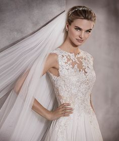 Atlantis - Wedding dress with lace, embroidery and gemstones