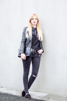Outfit all black – lace socks & bandana print silk scarf