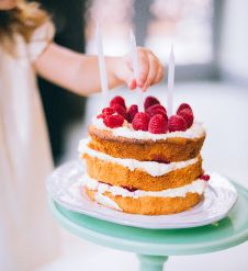 Discover the perfect venue for any event at Holiday Inn Maidenhead. Boule Anti Stress, Keto Meal Plan, Meal Prep, Fashion Cakes, Baby Shower Fun, Cake Boss, Party Cakes, Cake Designs, Cookie Decorating