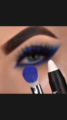 Smoke Eye Makeup, Black Smokey Eye Makeup, Eye Makeup Steps, Eye Makeup Art, Blue Eye Makeup, Diy Makeup, Beauty Makeup, Indian Eye Makeup, Eyeshadow Pencil