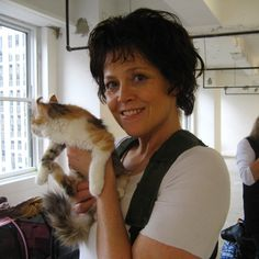 Sigourney Weaver co-starred with a different cat in Aliens