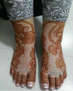 Ideas For Tattoo Foot Girl Tatoo Rose Mehndi Designs, Indian Henna Designs, Henna Designs Feet, Bridal Henna Designs, Unique Mehndi Designs, Beautiful Henna Designs, Latest Mehndi Designs, Mehndi Designs For Hands, Leg Mehendi Design