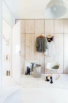 Een op maat gemaakte kast staat prachtig in de slaapkamer. #bedroom #closet