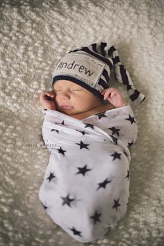 Newborn personalized hat, hand embroidered with name of your choice. Custom beanie knot hat. Coming home outfit.