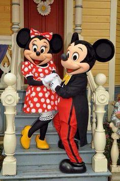 ミッキー、ミニー着ぐるみならhttp://www.mascotshows.jp/category/mickey-mouse.html