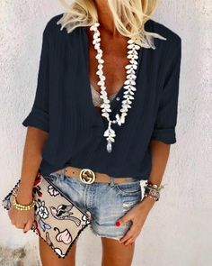 Best Outfit Styles For Women - Fashion Trends Look Short Jeans, Look Con Short, Blue Fashion, Look Fashion, Fashion Outfits, Womens Fashion, Fashion Trends, Fashion Ideas, Fashion Blouses