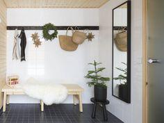 Vantaan Satupihan jouluinen pihasauna ja pukuhuone Ladder Decor, Ikea, Home Decor, Decorating Ideas, Gate Valve, Decoration Home, Ikea Co, Room Decor, Home Interior Design