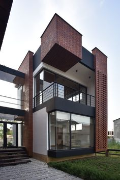 Architecture House Discover Gallery of Maziar Brick House / Naghshe Khak Architectural Group - 1 Maziar Brick House Vahid Joudi Modern Brick House, Brick House Designs, Design Exterior, Facade Design, Brick Facade, Facade House, House Facades, 3 Storey House Design, Brick Architecture