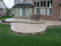 stamped concrete patio – curves, edging