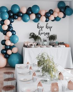 The cutest ballon styling ever! it so so well 👌🏻👌🏻 We just love Little Bowies 'Modern Woodland' Party and how perfect our Tableware fit the theme. 60th Birthday Party, Baby Birthday, Birthday Party Decorations, Ballon Decorations, Baby Shower Decorations, Fete Julie, Teal Party, Adult Party Themes, Woodland Party