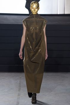 rick-owens-rtw-fw15-runway-33 – Vogue (This is awful all the way round BA)