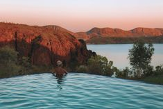 Lake Argyle infinity pool, near Kununurra, in the Kimberley Desert, Western Australia. This 6 day self-drive campervan tour lists highlights and places to stay. Australia Map, Western Australia, Travel In Australia, Australia Honeymoon, Honeymoon Spots, Honeymoon Destinations, Menorca, Tulum, Places To Travel