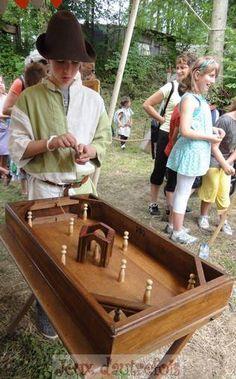 Jeux d'autrefois - Location Animation Jeux anciens en bois à Mérignies dans le Nord Pas de Calais                                                                                                                                                                                 Plus