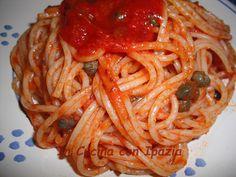 Gli Spaghetti alla pizzaiola salentina sono veramente appetitosi! Facili e veloci da preparare. Sono un primo piatto gustoso e profumato.