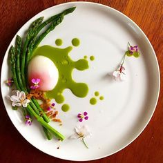 Asparagus & soft poached egg! By @phils_kitchen_nz