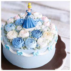Princess floral cake