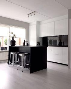 Kitchen black & white Ikea