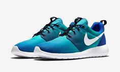 Nike Roshe Run Print: Game Royal/Light Retro