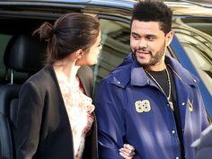 Hace un par de semanas, se rumoró que la cantante y actriz Selena Gomez comenzó un romance con el también músico de The Weeknd.Al principio, varios medios comentaron que podría tratarse de una estrategia publicitaria, pues al día de que la noticia corriera, el intérprete de Can't Feel My Facelanzó su nuevo video.Pero fue la misma Gomez quien confirmó el romance en esta foto: