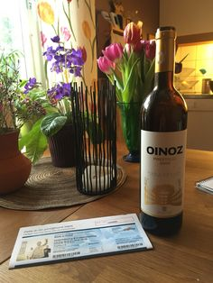 Oinoz från Spanien var fylligt å gött. Prestigio 2006.  Ett glas innan minglet innan Stefan Andersson på Kajskjul 8.