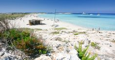 This is arguably one of the most popular Formentera beaches, and for good reason. It has picture postcard views across its incredibly clear turquoise waters, and a long stretch of fine white sand that many say is reminiscent of the caribbean. Villas, Ibiza, Spanish Islands, Island Villa, Beach Please, I Love The Beach, Picture Postcards, Free Beach, Turquoise Water