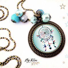 Collier sautoir cabochon • attrape rêves • plume bleu rose blanc perles verre