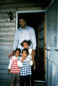 The boxer is also a family man. In he stands outside his house with kids Maryum, Jamillah and Rasheda. Ali married his second wife Belinda Boyd in They also had a son, Muhammad Ali Jr. this year. Mohamed Ali, Muhammad Ali Fights, Laila Ali, Float Like A Butterfly, Sport Icon, Sports Figures, African American History, American Indians, Beauty