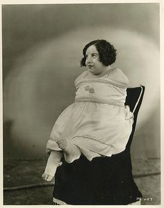 Gorgeous cast portraits from Tod Browning's 'Freaks' Old Circus, Vintage Circus, Sideshow Freaks, Human Oddities, Hollywood, Portraits, Golden Child, Kaiser, Special People